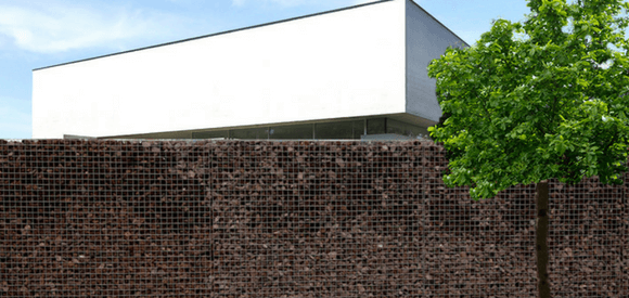 Gabion stonewall